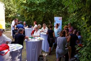 """Beim """"Markt der Möglichkeiten"""" fanden noch viele angeregte Gespräche statt. Foto: IfZ-Archiv/Alexander Markus Klotz. Alle Rechte vorbehalten."""