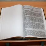 Zahlreiche zeitgenössische Dokumente können in einem Reader genauer in Augenschein genommen werden. Foto: IfZ-Archiv. Alle Rechte vornehalten.