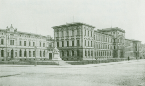 Ursprungsbau der Technischen Hochschule München von Gottfried Neureuther, der heute nur noch fragmentarisch erhalten ist (Foto: Unbekannt, um 1910   Fotobestand TUM.Archiv). Blogparde #Deutungskämpfe